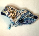textile-art-brooch-blue-gol