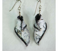 textile-earrings-white-blac